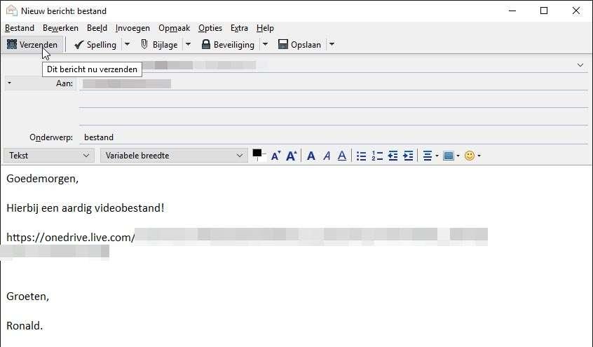 Stuur een bericht vanuit uw standaard mailprogramma, vergeet niet de OneDrive-link naar het te delen bestand te plakken.
