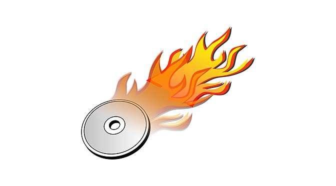 Hou een iso'tje van Windows 10 achter de hand (bron afbeelding: https://pixabay.com/nl/vectors/dvd-branden-hete-brand-vlam-159906/)